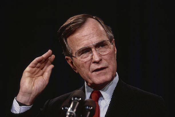 Yhdysvaltain presidentillä George H.W. Bushilla oli hyvät välit Suomen presidentti Mauno Koivistoon.