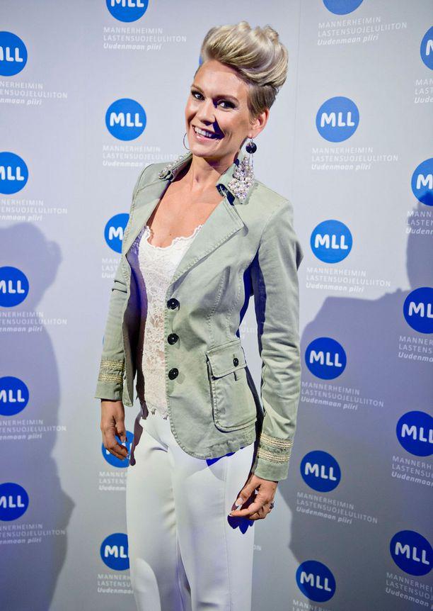 Hoikentunut Heidi edusti toukokuun alussa Mannerheimin Lastensuojeluliiton muotinäytöksessä.