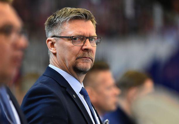 Jukka Jalonen on joutunut vastaamaan läpi kevään kysymyksiin NHL-avuista.