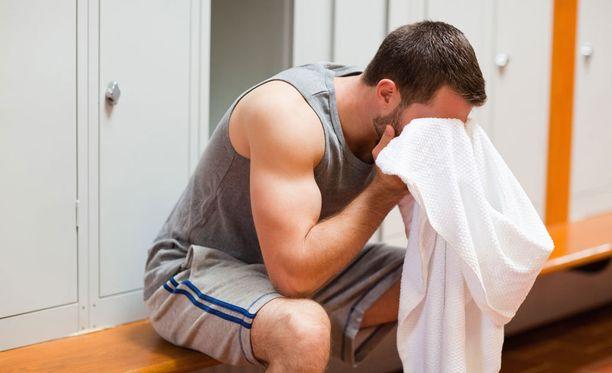 Kankkusessa kuntoilu pahentaa nestehukkaa.