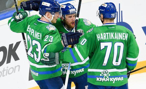 Teemu Hartikainen muodostaa yhdessä Joonas Kemppaisen ja Linus Omarkin kanssa KHL:n tuhoisimman ketjun.