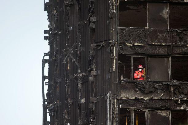 24-kerroksisen talon palon tutkinnoissa uskotaan löydettävän lisää uhreja.