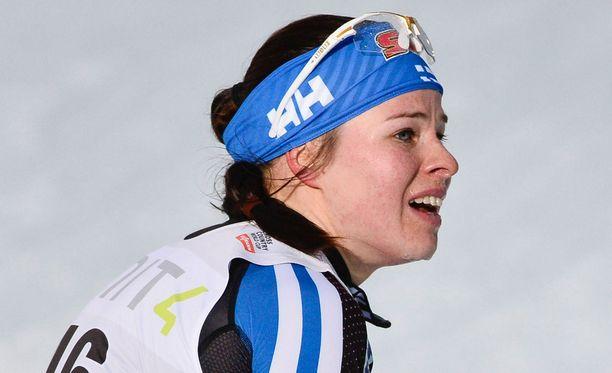 Krista Pärmäkoski menetti mahdollisuutensa loppusuoralla jouduttuaan pahasti pussitetuksi.