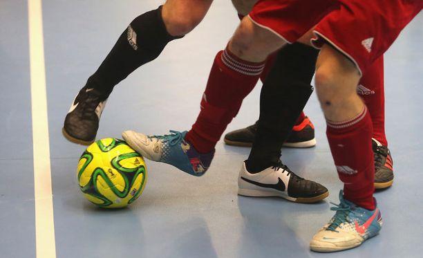 Futsal on yleensä sisätiloissa pelattava jalkapallon kaltainen peli.