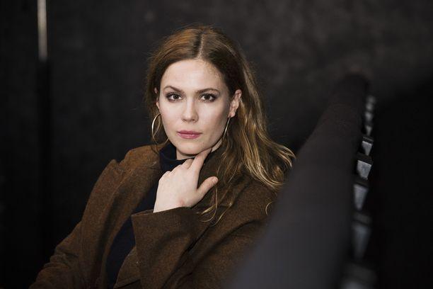 Pihla Viitala tunnetaan esimerkiksi elokuvista Käsky ja Marian paratiisi.