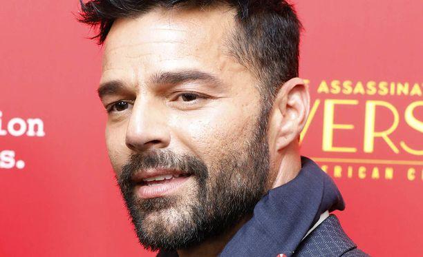 Ricky Martin tunnetaan esimerkiksi kappaleistaan Livin' La Vida Loca ja She Bangs.