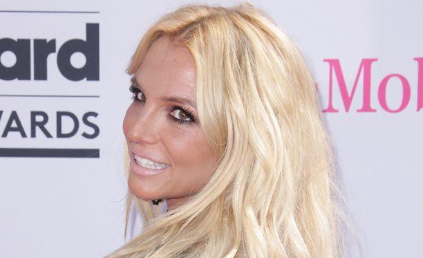 Britney Spears muistelee nuoruuttaan kuumalla kuvalla.