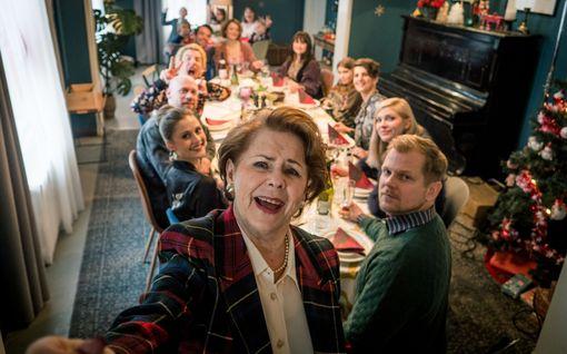 """IL-Arvio: Kotimainen uutuuselokuva Täydellinen joulu on ärsyttävä ja oudon vihamielinen """"komedia"""", josta nauru ja joulumieli ovat kaukana"""