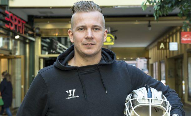 Joni Puurula on nähnyt maailmaa jääkiekkomaalivahdin urallaan.