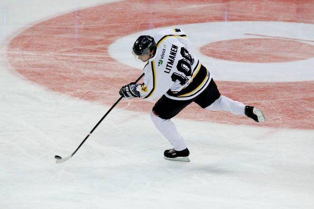 Jari Litmanen pelasi numerolla 100.