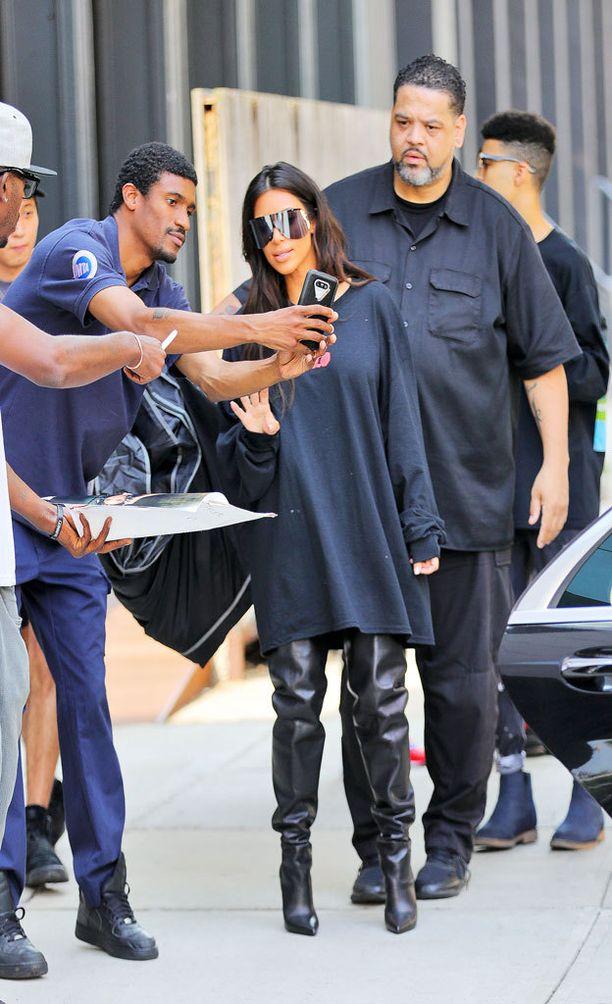 Kim kiinnostaa asussa kuin asussa.