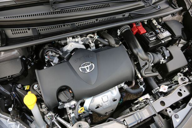 Yaris on ensimmäinen malli, missä käytetään Toyotan uutta 1,5-litraista bensakonetta.