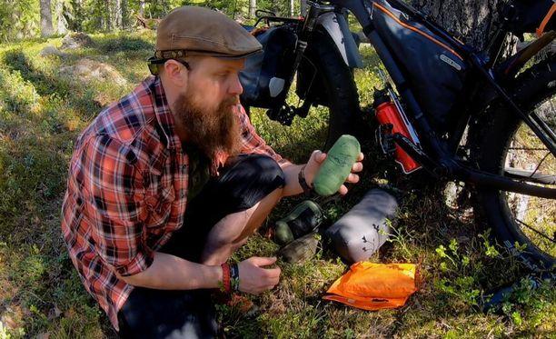 Metsässä liikkuminen on Jaskan mukaan yksi parhaimmista harrastuksista IBD-potilaita. Vessaa ei luonnossa tarvitse kaukaa etsiä.