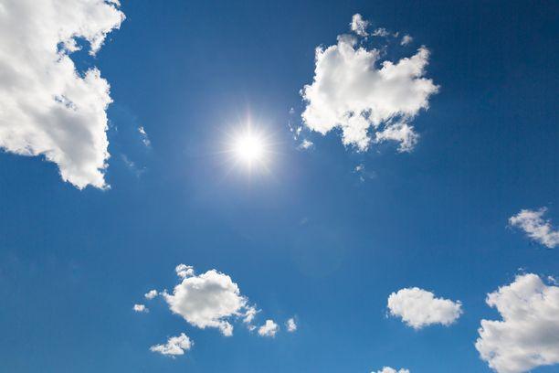 Tänään on monin paikoin lämmin kevätpäivä.
