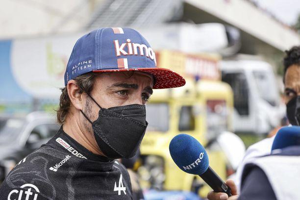 Fernando Alonso nähdään F1-radoilla ensi kaudellakin.