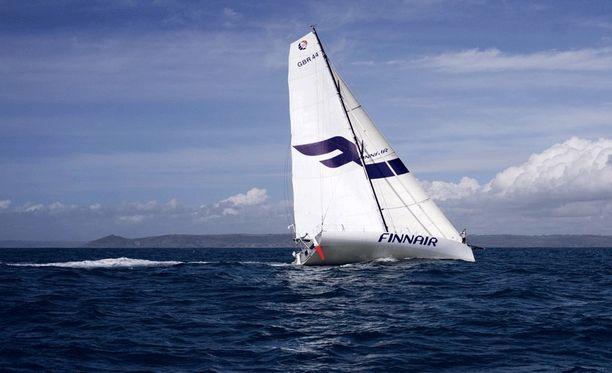 Ari Huuselan kilpaveneen nimi on Flying With Finnair.