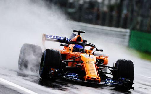 Kuvat: Mykistävä yhdennäköisyys - Fernando Alonson kaksoisolento kummastuttaa Italian GP:ssä