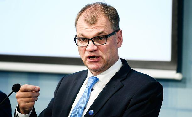 Pääministeri Juha Sipilä arvioi MTV:llä , että palkankorotuksissa nollan prosentin linja on kohtuuton.