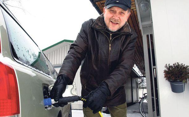 NÄIN SE KÄY Samalla ostokaasulla lämpenee talo ja kulkee vuosimallin 2007 Volvo V70 Bi-fuel.