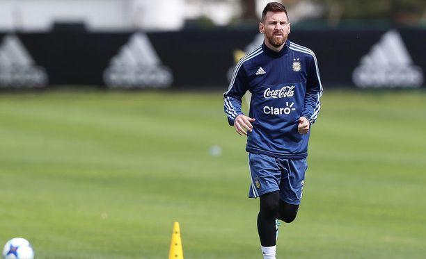 Leo Messin Argentiina on pakkovoiton edessä.