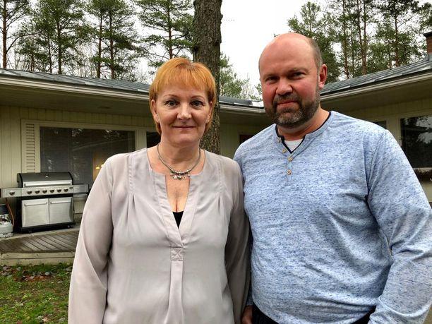 Hannamaija ja Hannu Rantanen iloitsevat Mikon menestyksestä.