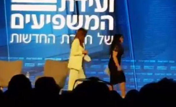 Monica Lewinsky ryntäsi ulos suorasta lähetyksestä.