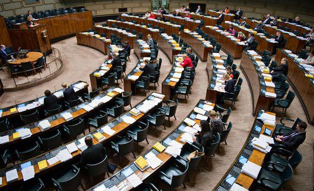 Mikael Palola aloittaa kansanedustajan työt 4. heinäkuuta.