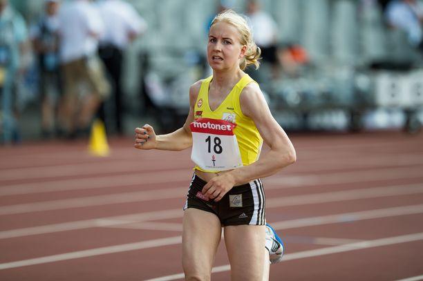 Johanna Peiposta kiusataan treenilenkeillä Rovaniemellä.