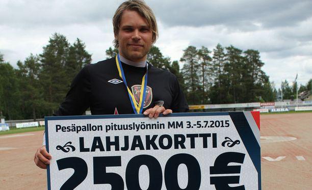Toni Laakson reissu Alajärvelle poiki mukavan palkinnon.