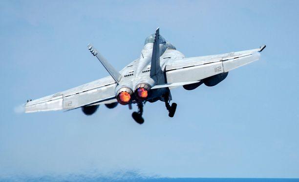 Yhdysvaltalainen F/A-18E-superhävittäjä. Kuvituskuva.