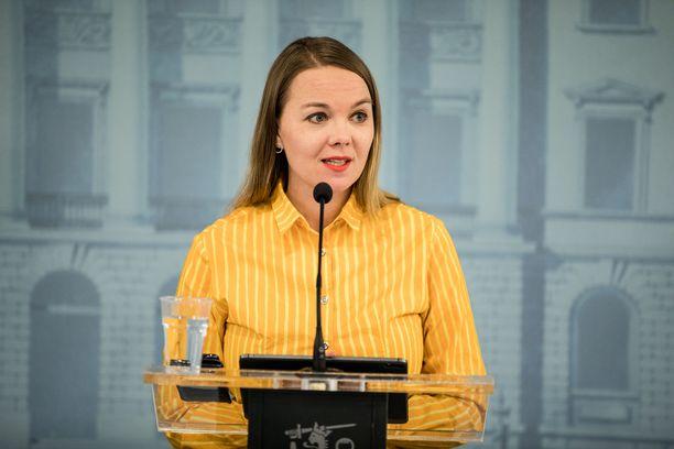 Katri Kulmuni on sanonut maksavansa viestintäkonsultointiensa laskun itse.