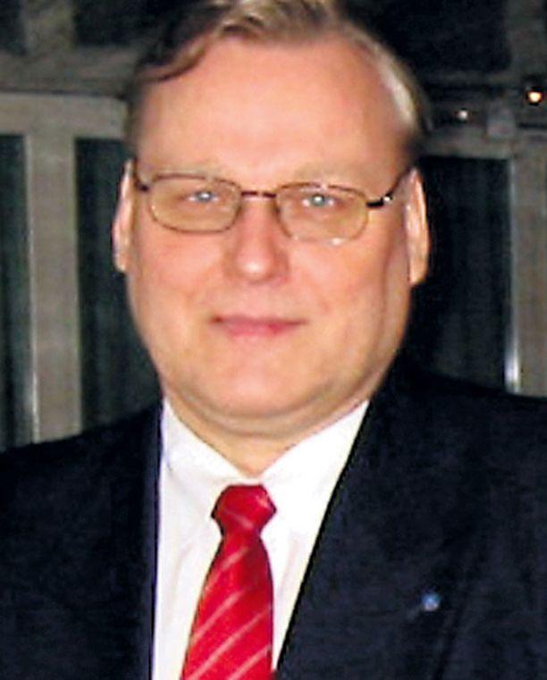 Kemianliitto käy puheenjohtajansa Timo Vallitun johdolla palkkaneuvotteluja julkisuuden kautta.
