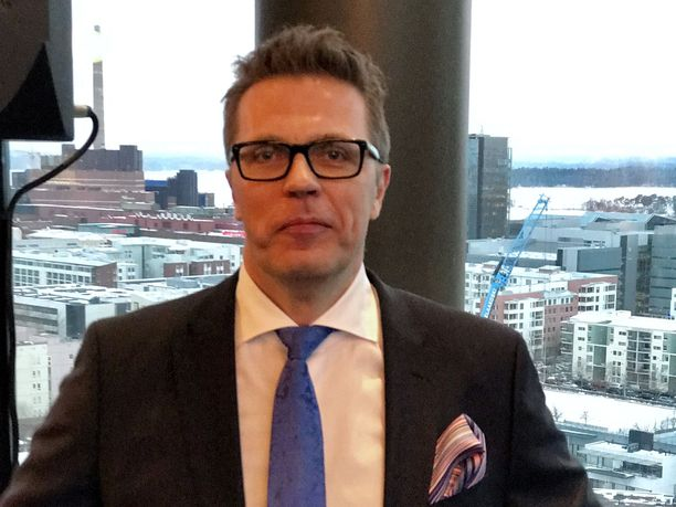 Jari Sarasvuo tunnetaan liikemiehensä ja mediapersoonana.