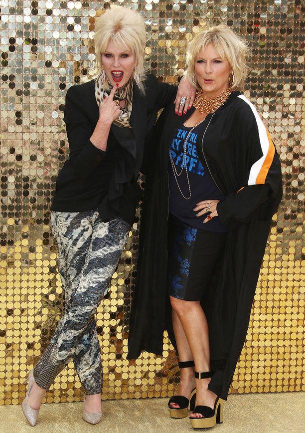Joanna Lumley ja Jennifer Saunders ovat Patsy ja Edina.