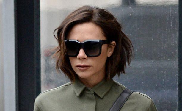 Victoria Beckham keskittyy mieluummin muotiuraansa kuin Spice Girlsin paluuseen.