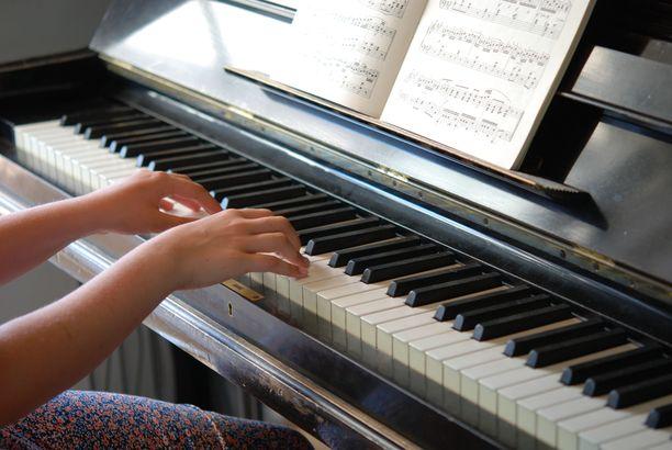 Kauneimpia joululauluja soitetaan myös koronarajoitusten vallitessa.