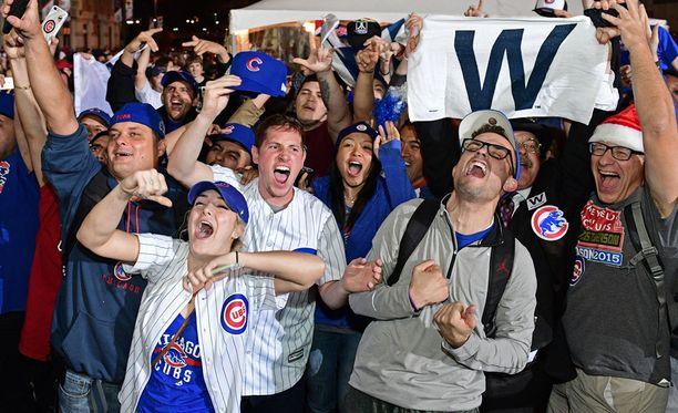 Chicago Cubsin mestaruus aiheutti suurta iloa kannattajien keskuudessa.