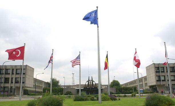 Nato on ilmoittanut vahvistavansa läsnäoloaan Baltian maissa ja Puolassa lisätäkseen pelotetta Venäjää vastaan.