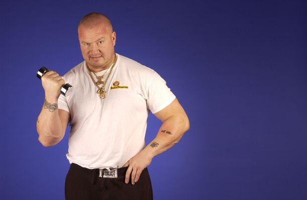 Millä nimellä Tony Halme paini WWF:ssä?