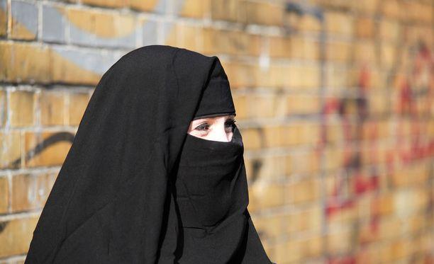 Euroopan ihmisoikeustuomioistuin totesi tämän vuoden heinäkuussa, että burkakielto on lainmukainen eikä riko ihmisoikeuksia. Tuomioistuin otti kantaa Belgian määräämään kieltoon, josta kaksi musliminaista oli valittanut. Kuvituskuva.