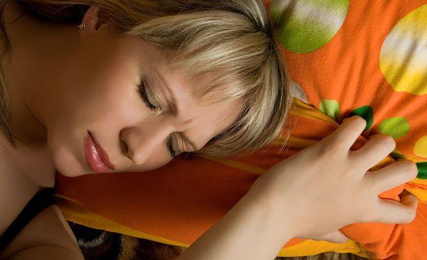 Yöllä valojen päällä pitämisellä on monia yllättäviä ja ikäviä vaikutuksia.