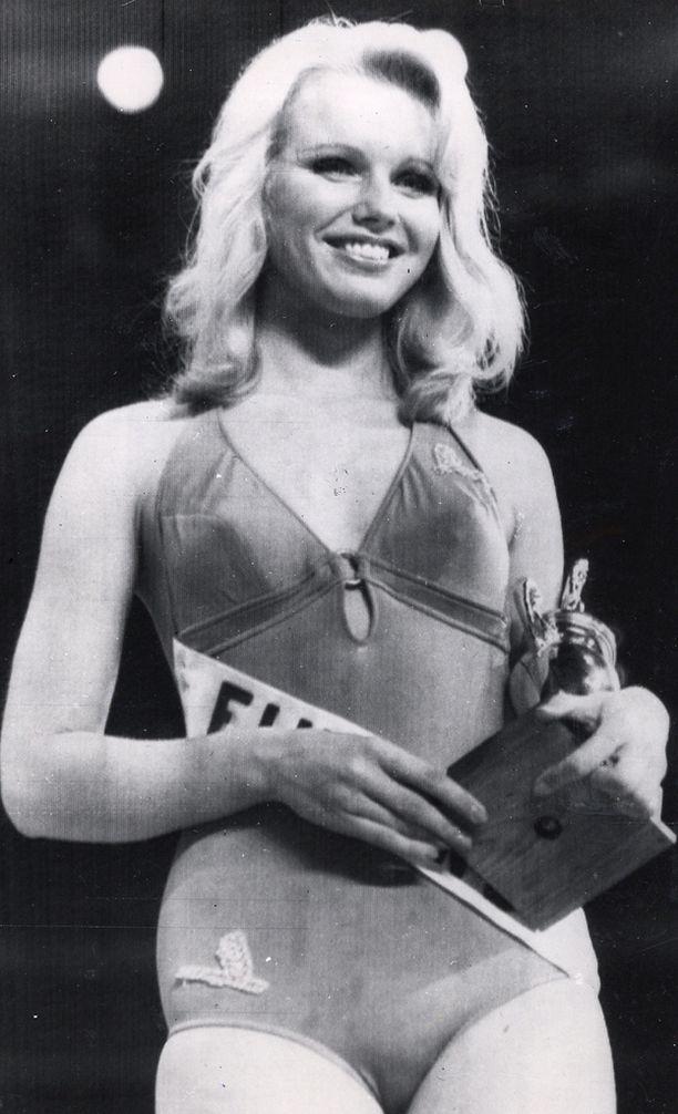 Johanna Raunio Miss Universum -kisoissa vuonna 1974.