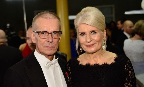 Jukka Puotila ja Anneli-vaimo päätyivät Linnan parketille tanssahtelemaan.
