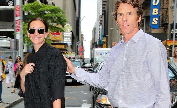 Aviomies Daniel Moder ja Julia tapasivat The Mexican -elokuvan kuvauksissa.