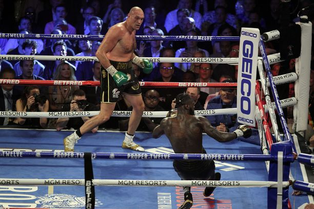 Tyson Fury kukisti Deontay Wilderin Las Vegasissa helmikuussa.