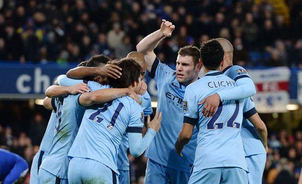 Manchester City juhli David Silvan tasoitusosumaa.