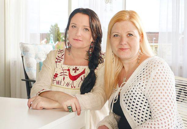 Anja Kontor haastattelee Emma Jangestigia.