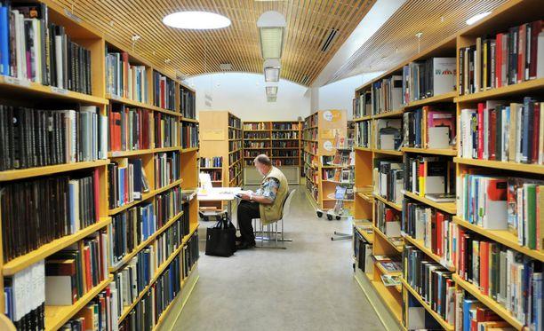 Suomalaiset pitävät kirjastoa yhtenä parhaiten hoidettuna kuntapalveluna.