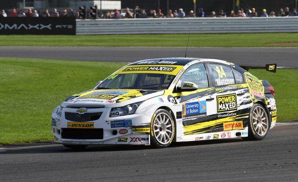Viime vuonna Fletcher kurvaili British Touring Car Championshipissä.
