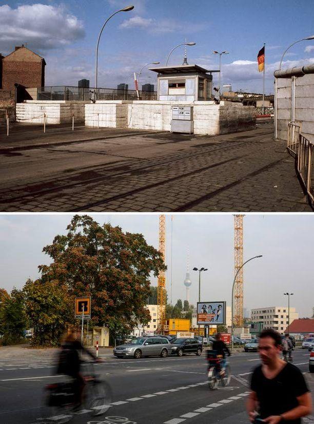 Tarkastuspiste Checkpoint Charlie Heinrich-Heine Strassella vuonna 1971 ja ihmisiä pyöräilemässä saman paikan ohitse tänä syksynä.